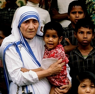 @Peta_de_Aztlan Mother-Teresa-collage cropped