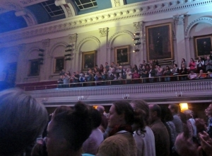 crowd-640